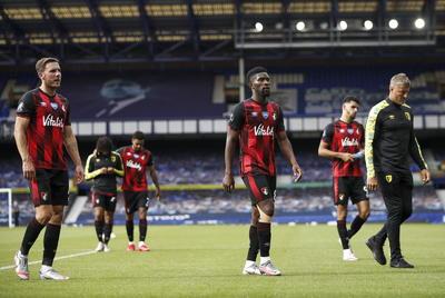 En la parte baja de la tabla, la jornada unificada de la Premier mandó al pozo al Bournemouth y al Watford.