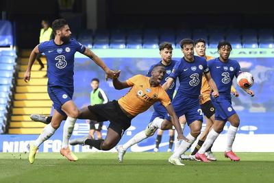 El Chelsea fue el que menos sufrió para meterse en la máxima competición continental al batir por 2-0 en Stamford Bridge al Wolverhampton Wanderers.