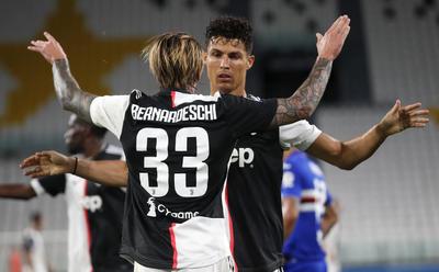 Cristiano rompió la igualdad en el séptimo minuto de tiempo añadido de la primera mitad al rematar una buena asistencia del bosnio Miralem Pjanic y propició el segundo gol, firmado en el 67 por Federico Bernardeschi.