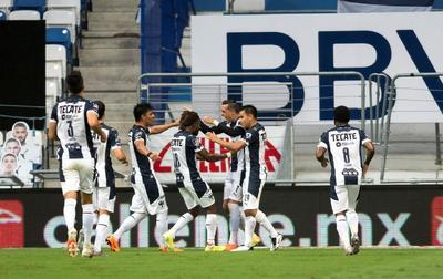 Toluca se metió en el partido apenas a los 24 segundos de comenzar el segundo tiempo con un gol de Alan Medina, quien tocó a puerta para el 2-1.