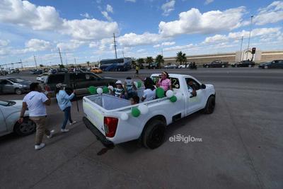 Aficionados apoyan a Santos Laguna    Los aficionados realizan caravana para apoyar a Santos Laguna