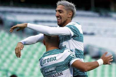 Santos Laguna consigue su primer triunfo en el Guard1anes 2020 ante Chivas