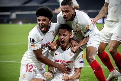Raúl Jiménez y los Wolves son eliminados de la Europa League por el Sevilla