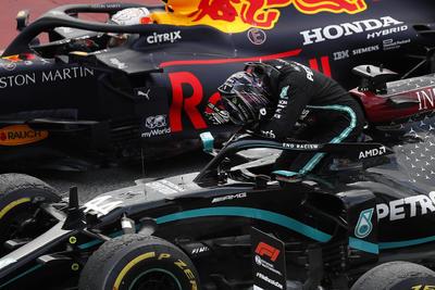 Triunfa Hamilton en el Gran Premio de España; 'Checo' termina en quinto