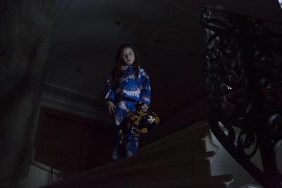 El largometraje teje una historia de suspenso, horror y crimen a través de los ojos de Pamela (Valery Said), una niña que está a punto de cumplir 8 años y que recibe como regalo un misterioso muñeco llamado Hellequin.