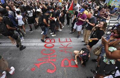 Wisconsin y Nueva York se unen en protestas por agresión a Jacob Blake
