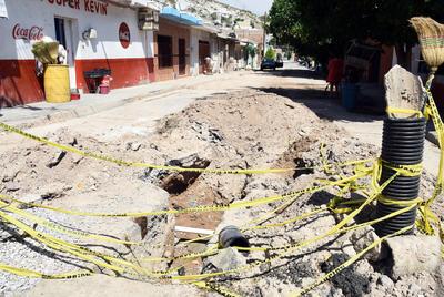 Abandonan obra. Autoridades municipales dejaron abiertas las calles Baja California y Jalisco, ya que introducían drenaje y luego pausaron la obra.