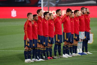 El zaguero del Manchester City Eric García y el lateral del Real Madrid Sergio Reguilón también debutaron con España. Ferrán Torres firmó el 4-0 a los 84.