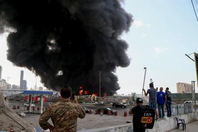 Nuevo incendio en el puerto de Beirut un mes después de la explosión