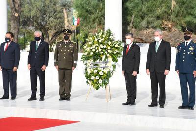 Torreón conmemoró a los Niños Héroes.