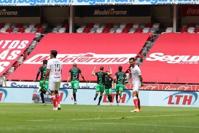 Santos Laguna se impone a los Diablos Rojos 2-1 en el Nemesio Díez