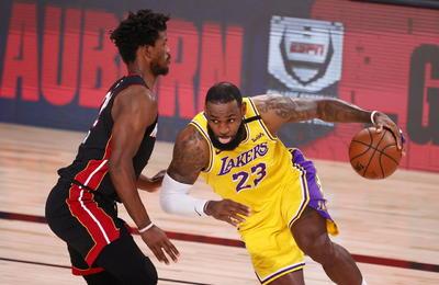 Sin problema, Lakers se llevan el 1er partido de la final