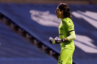 Santos Laguna vence 2-0 al Puebla