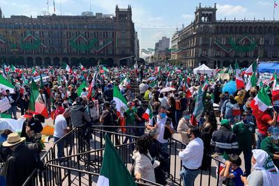 Así se ve la protesta Anti-AMLO en el Zócalo de la Ciudad de México