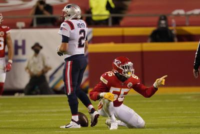 Chiefs vencen a Patriots y mantienen el invicto