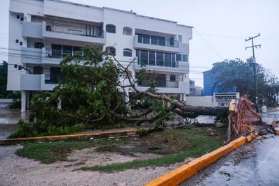 En la memoria de algunas personas están los huracanes Wilma y Gilberto, mismos que hace años provocaron inundaciones y las afectaciones fueron mucho mayores.