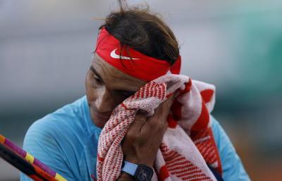 Esta fue la 34ta semifinal de Nadal en torneos Grand Slam, La primera de Schwartzman. Además, Schwartzman venía de requerir cinco horas y ocho minutos para despachar al campeón del U.S. Open y dos veces subcampeón en Roland Garros, Dominic Thiem, en un enfrentamiento de cinco sets en los cuartos de final.