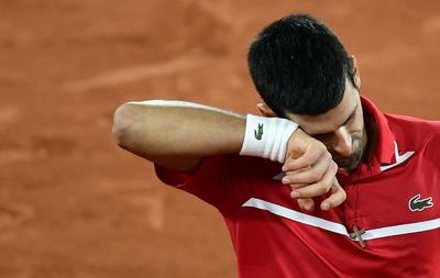 La resistencia del griego no dio para un quinto set. Tsitsipas ya remontó un 2-0 en contra en su debut en Roland Garros contra el español Jaume Munar, en su primer triunfo a cinco sets en París, pero esta vez el rival era de más talla.