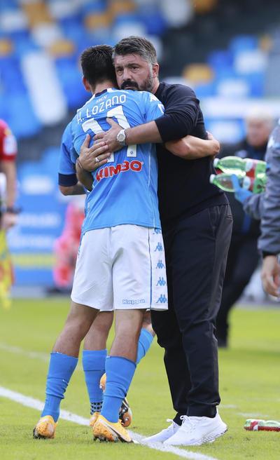 El pasado 27 de septiembre, el Chucky anotó dos goles en el contundente 6-0 endosado al Génova y este sábado, siempre en el estadio San Paolo napolitano, impulsó el gran triunfo por 4-1 contra el Atalanta, que llegaba a esta cita tras ganar sus tres partidos este curso.