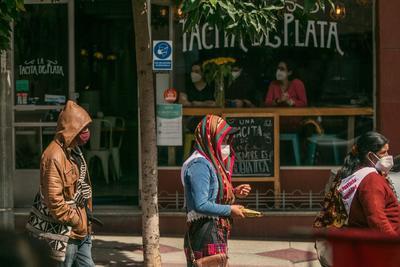 Guatemala conmemora 76 años de su Revolución realizando una manifestación