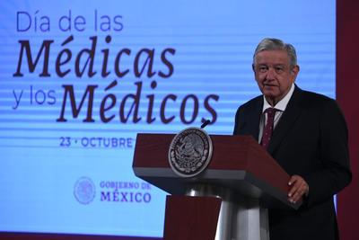Gobierno de AMLO reconoce a personal de salud por el Día del Médico