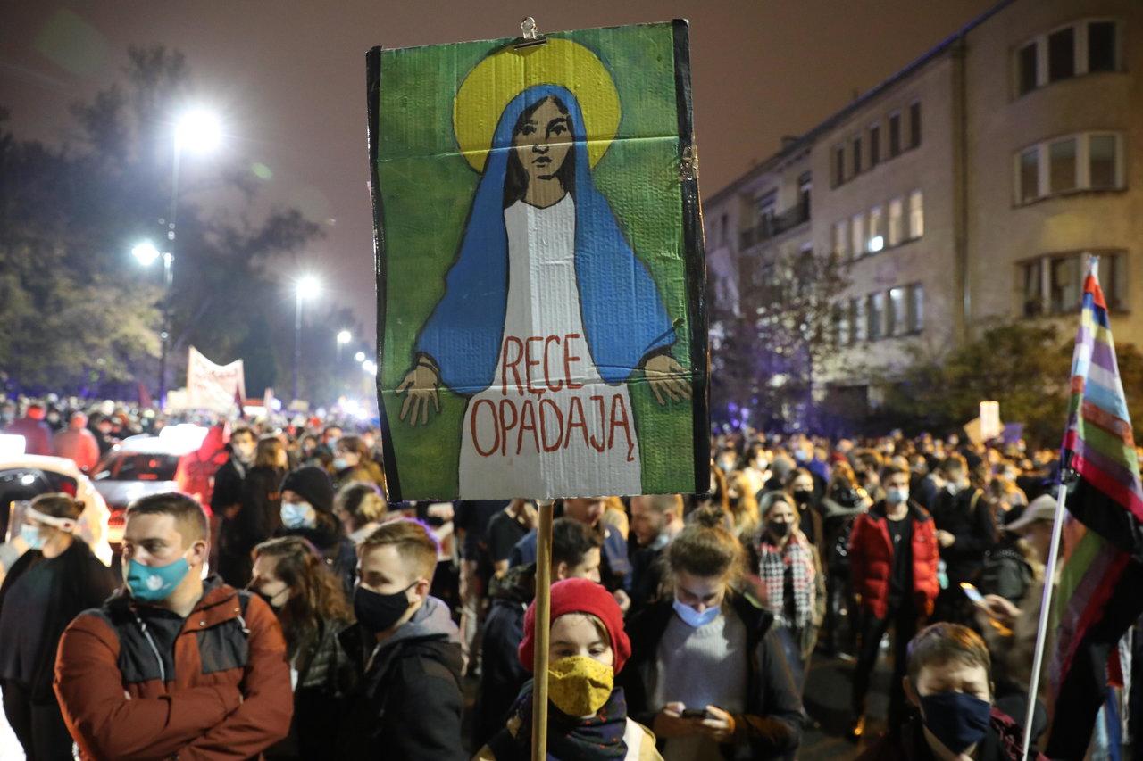 Sentencia contra el aborto activa movilizaciones contra gobierno de Polonia