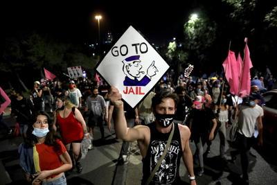 Miles de israelíes protestan exigiendo la dimisión de Netanyahu