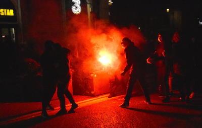 Protestan en Italia contra restricciones por COVID-19