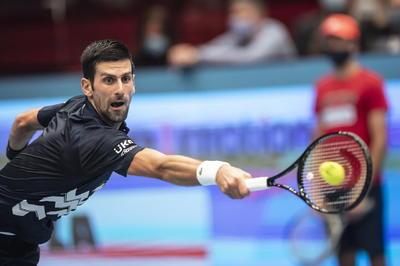 Novak Djokovic vuelve a Viena con un apretado triunfo