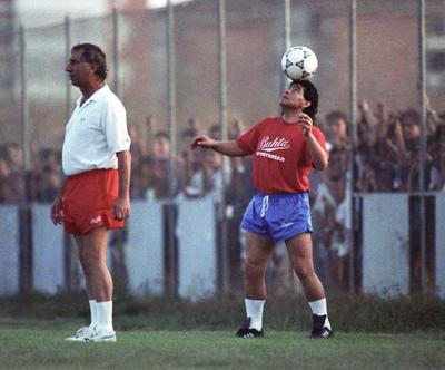 Diego no nació para ser explicado, nació para ser admirado o para ser odiado, él no tiene grises, opinó días atrás Fernando Signorini, su amigo y preparador físico de Argentina en el Mundial Sudáfrica 2010 bajo el mando de Maradona.