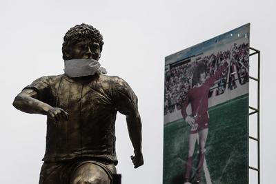 Con la selección argentina jugó entre 1977-1994, incluyendo los mundiales de 1982 (España); 1986 (México), en el que salió campeón; 1990 (Italia) y 1994 (Estados Unidos), cuando fue retirado de la competencia por uso de sustancias prohibidas y suspendido por un año. Para muchos de sus fanáticos argentinos ese fue un punto de quiebre.