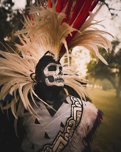 Fotógrafo plasma en la calles de Torreón el Día de Muertos