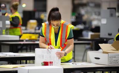 Inicia el conteo de votos; EUA aguarda el resultado de la elección