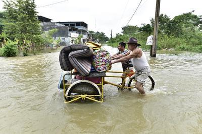 Lluvias dejan al menos 12 muertos en sureste de México