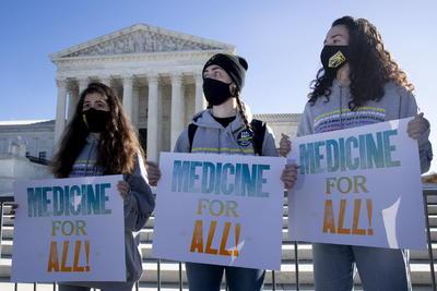 Protestan en defensa del 'Obamacare' frente al Supremo de EUA