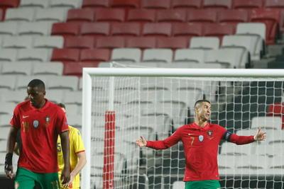 Cristiano y Joao Félix cierran el festín de goles de Portugal
