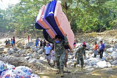 Desplazamiento de tormenta 'Iota' pone en alerta a sur de México