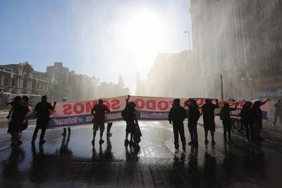 Con marcha reclaman la renuncia de Sebastian Piñera de la presidencia