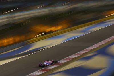 Checo Pérez abandona el GP de Bahréin tras incendiarse su monoplaza