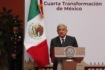 Conmemora AMLO toma de posesión en México