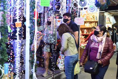 Inauguran y dan la bendición al mercadito navideño de Torreón
