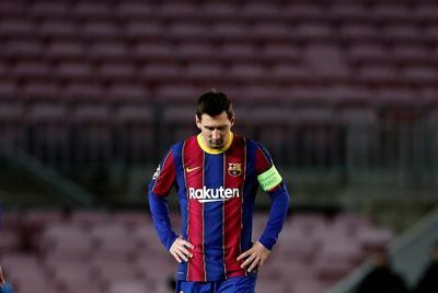 Cristiano gana en su reencuentro con Messi en el Camp Nou