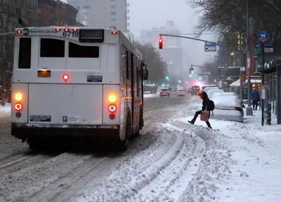 El alcalde de la ciudad, Bill de Blasio, aseguró que la cantidad de nieve registrada en las últimas 24 horas era la mayor desde enero de 2016.