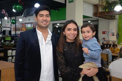 Gerarado Enríquez, Wendy Madrid y Gerardo.