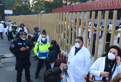 La inoculación inició en el Hospital General de la CDMX y en sedes militares de Querétaro, Toluca y Estado de México.