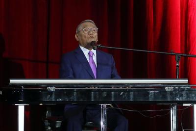 Pianista consumado, llegó a decir que este instrumento siempre fue el
