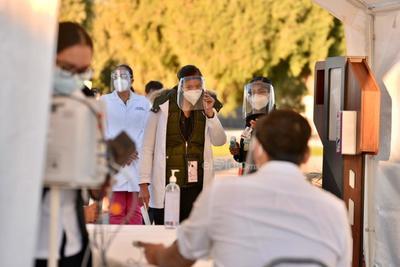 Nuestro reconocimiento a toda nuestra fuerza blanca quienes de manera responsable atienden la pandemia, dijo.