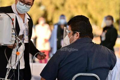 En una primera remesa, llegaron al estado 8 mil 775 vacunas de las cuales2 mil 925 dosis se destinaron a la Comarca Lagunera. Se espera que la próxima semana arriben el resto de las dosis hasta completar las 17 mil 500 que se anunciaron en un inicio.
