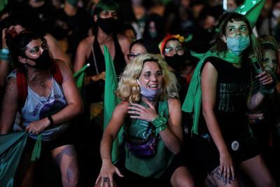 Celebran en Argentina la despenalización del aborto