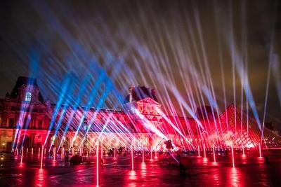 También será posible hacer una donación para el Louvre, que en los últimos años ha superado los diez millones de visitantes, pero este se ha visto obligado a cerrar seis meses por la pandemia.